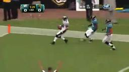 Vick Powers Eagles Over Jaguars.