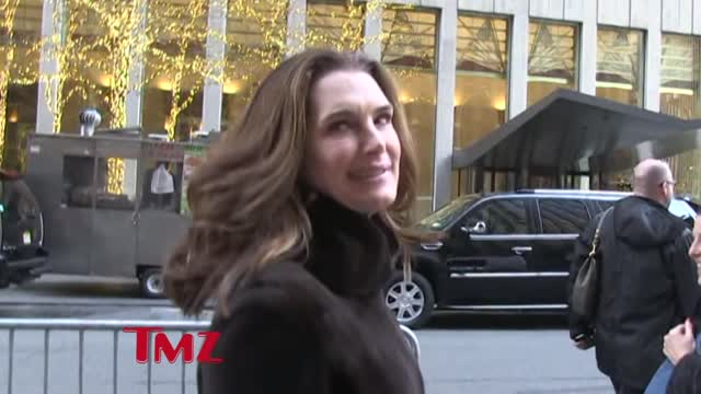 Brooke Shields Tells Us How She Got Into Princeton!