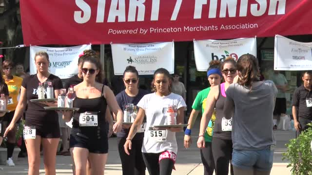 Waiters' Race 2015 Princeton Merchants Assoc. Click HD!