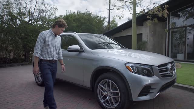 Mercedes-Benz 2016 GLC — Video Brochure