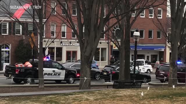 Police standoff with gunman at Princeton Panera