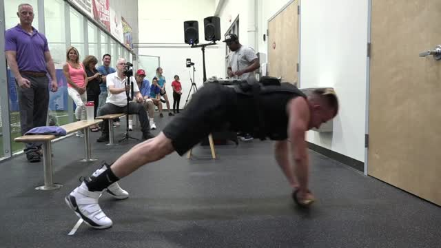 'Super Crazy Cozmo' World Record ab wheel rollout @ PEAC Health & Fitness