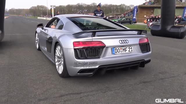 Audi R8 V10 Plus vs Lamborghini Aventador S