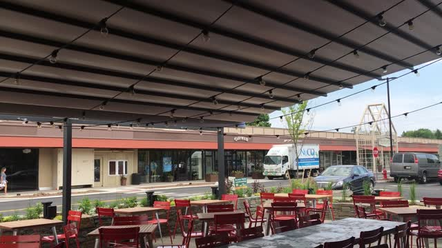 Huge Retractable Awning at Nomad Pizza in Princeton NJ