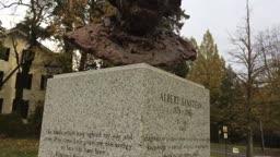 Princeton Statues Princeton & Battle Monument
