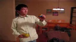 Macky, Princeton Student, Solves  Rubik's Cube While Juggling