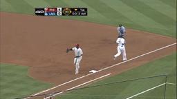Phils Dip Dodgers