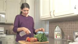 How to Make An Organic Fruit and Vegetable Wash.
